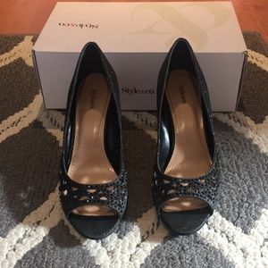 Style & Co. Woman's black dress wedges